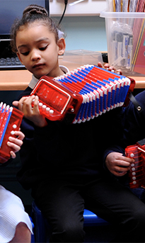 Folk music in schools